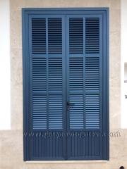 Persiana mallorquina anodizado azul