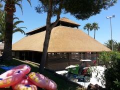 La palapa en junco africano aquapark torremolinos