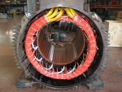 Salidas a placa de bornas del bobinado motor 250 kw.