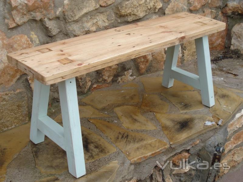 El viejo desvan muebles de madera reciclada - Restauradores de muebles ...