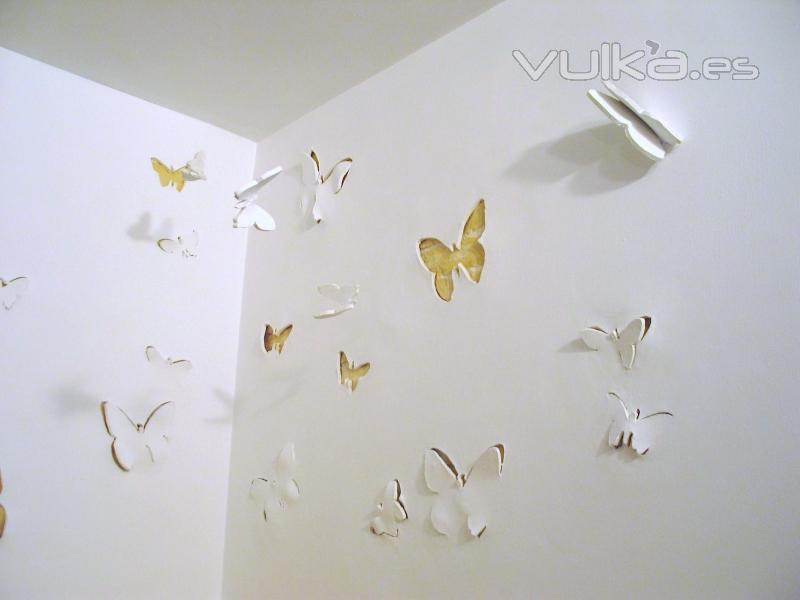 Foto curiosa decoracion de mariposas sobre las paredes - Mariposas decoracion pared ...