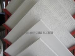 Diferentes modelos de placas de escayola para techos registrables (alicante)