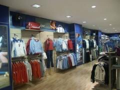 Mobiliario tiendas de deporte
