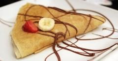 Deliciosos Crepes de nutella, caramelo, chocolate, nata, chocolate blanco...
