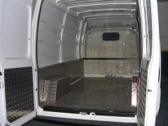 Panelado media altura aluminio estriado(inansur equipamientos)