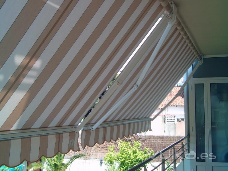 Foto de tapisseria i tendals sabadell s l foto 5 - Tapiceros en sabadell ...