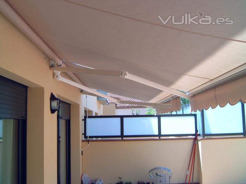 Foto de tapisseria i tendals sabadell s l foto 9 - Tapiceros en sabadell ...