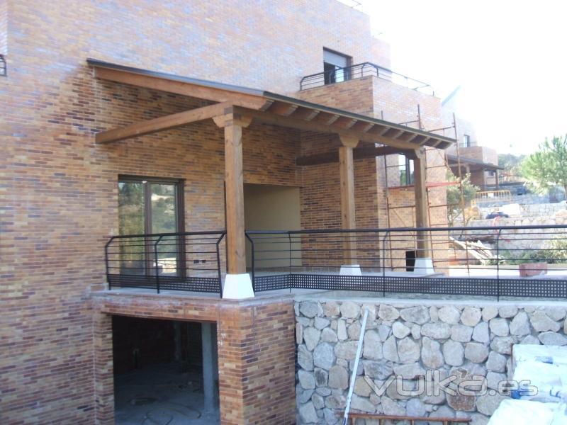 Foto de valsa n porche jard n foto 5 for Porche jardin madera