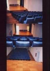 Pavimento sobre-elevado en escenario teatro