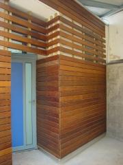 Detalle revestimiento madera en pared