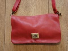 Bolso de piel con cierre de hebilla de o!bagbag (rojo)