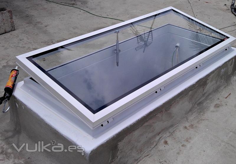 Foto claraboya claraboyas aluminio techo cristal for Cortina para claraboya de techo