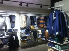 Tienda de ropa montaje