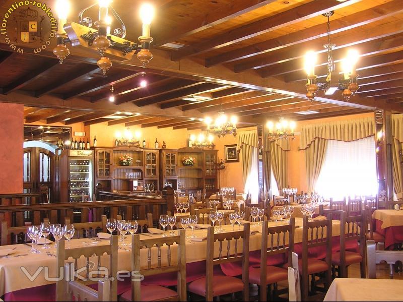 Salon con capacidad para 90 personas, climatizado