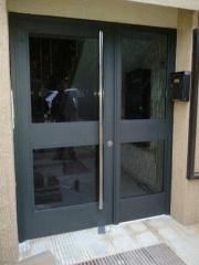 Puerta acceso comunidad