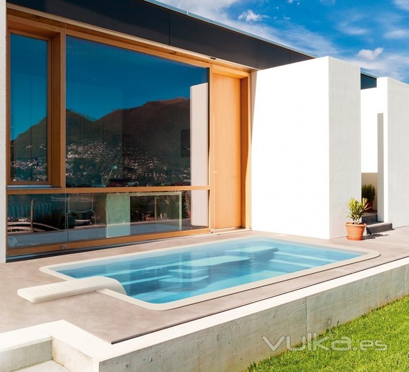 Piscinas ferma toledo toledo for Diseno de piscinas en espacios reducidos