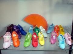 Zapatos de flamenca para ni�as en todos los colores
