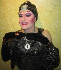 Performers y presentadores drag queen para eventos y celebraciones madrid