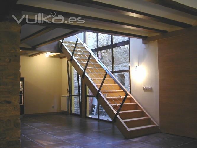 Foto rehabilitaci n de vivienda escalera con iluminaci n - Iluminacion de escaleras ...