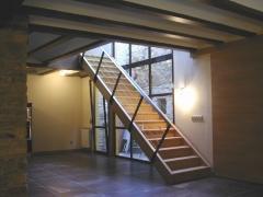 Rehabilitaci�n de vivienda. escalera con iluminaci�n natural