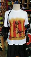 Esta camiseta de la diada del dia 11 de septiembre , en venta. 600262692