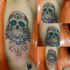 Foto 2 centros de belleza en Cuenca - Ink Furious R.d.r. Tattoo & Piercing