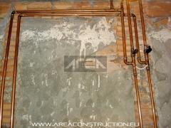 Instalaci�n fontaner�a con tuber�a de cobre, reforma ba�o, barcelona. www.areaconstruction.eu