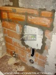Instalaci�n cisterna empotrada inodoro, reforma ba�o, barcelona. www.areaconstruction.eu