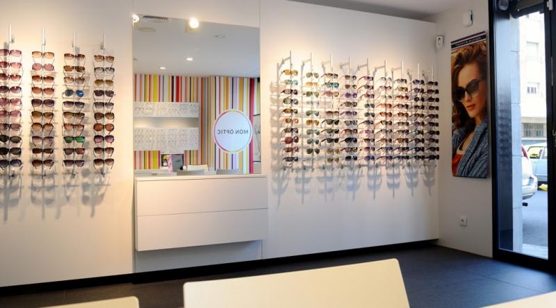 Foto dise o de pticas - Decoradores de interiores barcelona ...