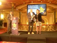 En el Teatro Arriaga, recibiendo el premio a la mejor idea comercial de Bilbao 2014.