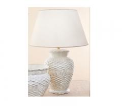 Lámpara de sobremesa paglia. forma de jarrón y relieve tipo mimbre. cerámica san marco.