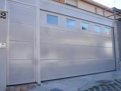 Empresa sustitucion puertas garaje navarra
