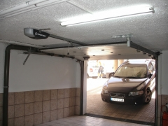 Empresa instalacion motores puertas garaje pamplona