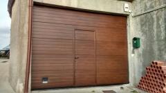 Puertas garaje imitacion madera pamplona