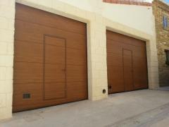 Puertas de paneles imitacion madera navarra