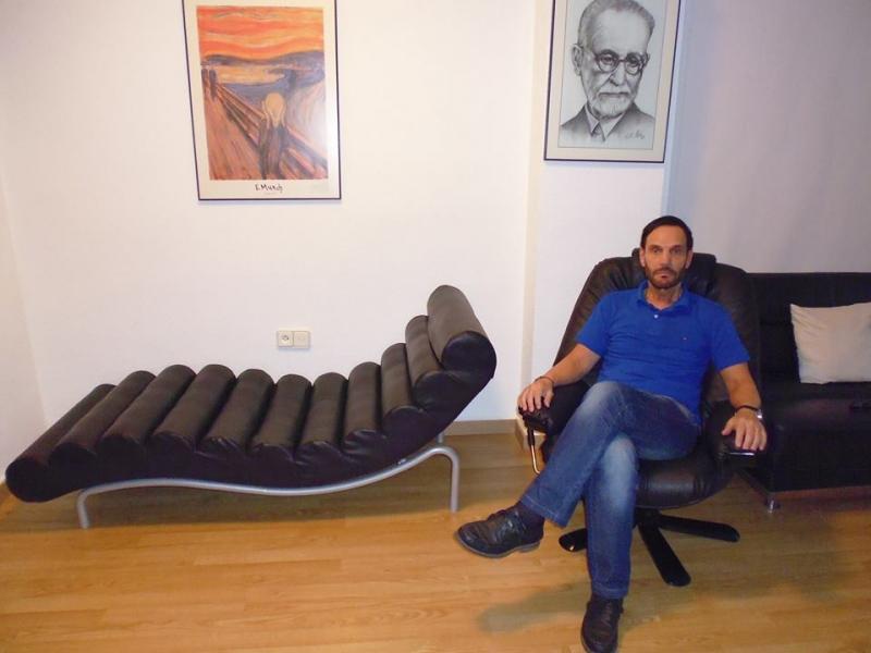 Dr. Rub�n Davico Sendes Psicoanalista-Psicoterapeuta Colegiado:A2649