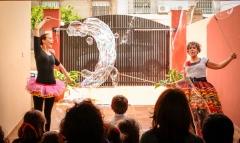 Porompomperas - Animaci�n infantil, eventos y espect�culos con pompas de jab�n gigantes - Granada, Sevilla, M�laga, C�diz, Huelva, Ja�n, Almer�a...