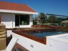 Edificaci�n de vivienda unifamiliar en marbella, con piscina