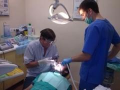 Cirujanos e implant�logos