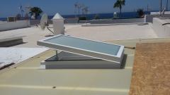 Drenado de calor con claraboya en techo de policarbonato