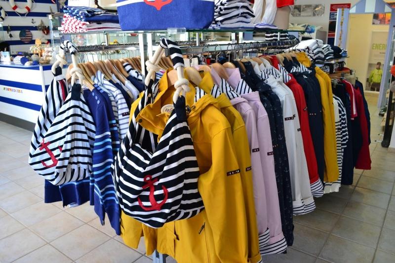 más cerca de venta de bajo precio genuino mejor calificado Foto: Chubasquero marinero amarillo Batela de mujer