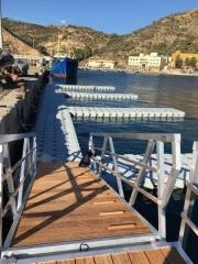 Pantalanes flotantes aromen en estacion naval de cartagena