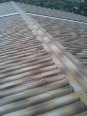 Cibierta nave panel sandwichi imitaci�n teja albero