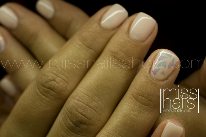 U�AS DE GEL EN OVIEDO MISS NAILS