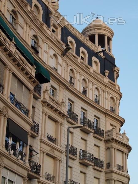 Trabajo vertical cambio de balustres. Francesc Macià, Barcelona
