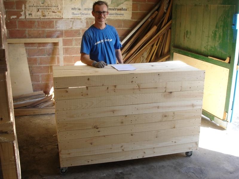Cajas de madera pere masmitja s l - Mostrador de palets ...