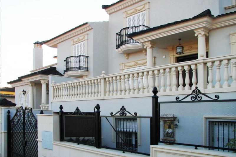 Zocalos para fachadas stunning zocalo rustico with for Zocalos de fachadas fotos