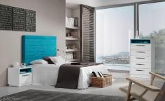 Dormitorio fabricado en laca blanca brillo con cama tapizada