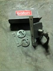 Instalacion cerrojos suplemtarios de seguridad