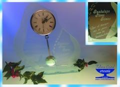 Reloj de cristal grabado